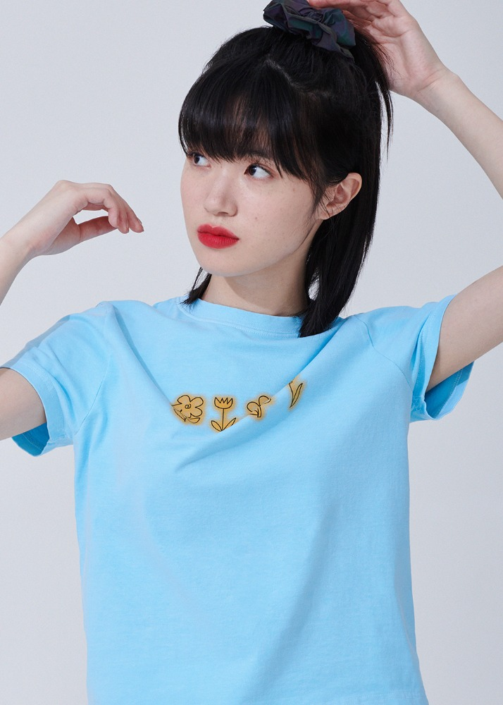 Flower drawing Pigment T-shirts [BLUE]Flower drawing Pigment T-shirts [BLUE]자체브랜드