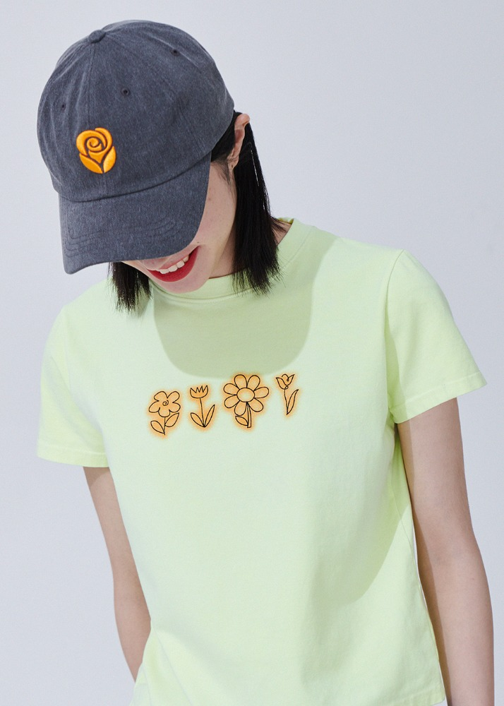 [로켓펀치 소희 착용] Flower drawing Pigment T-shirts [YELLOW][로켓펀치 소희 착용] Flower drawing Pigment T-shirts [YELLOW]자체브랜드