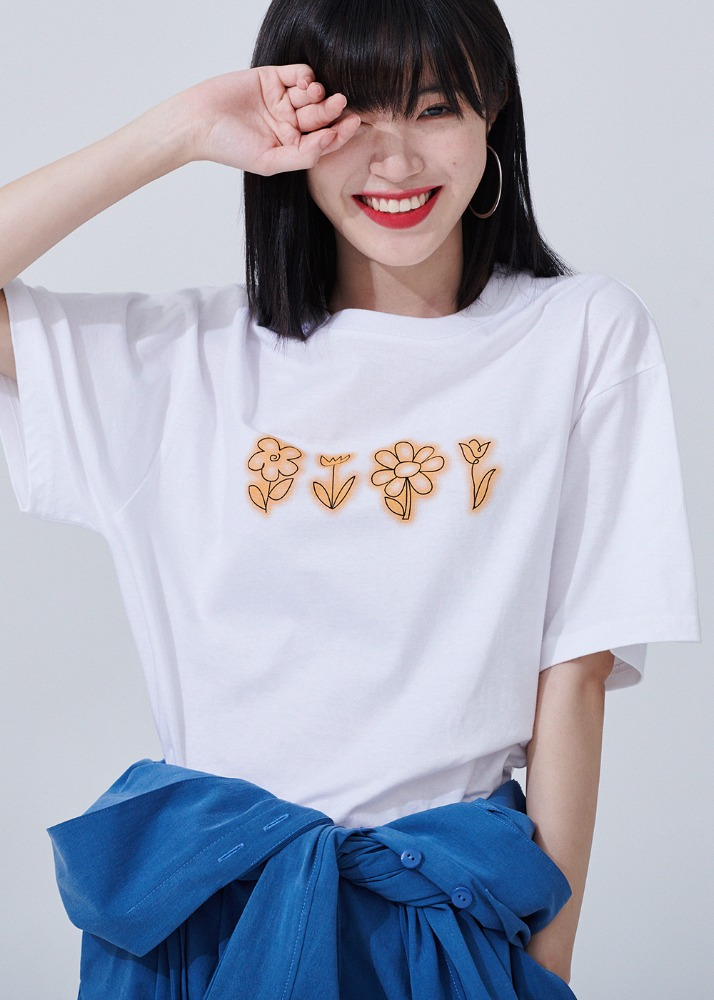 Flower drawing Overfit T-shirts [WHITE]Flower drawing Overfit T-shirts [WHITE]자체브랜드