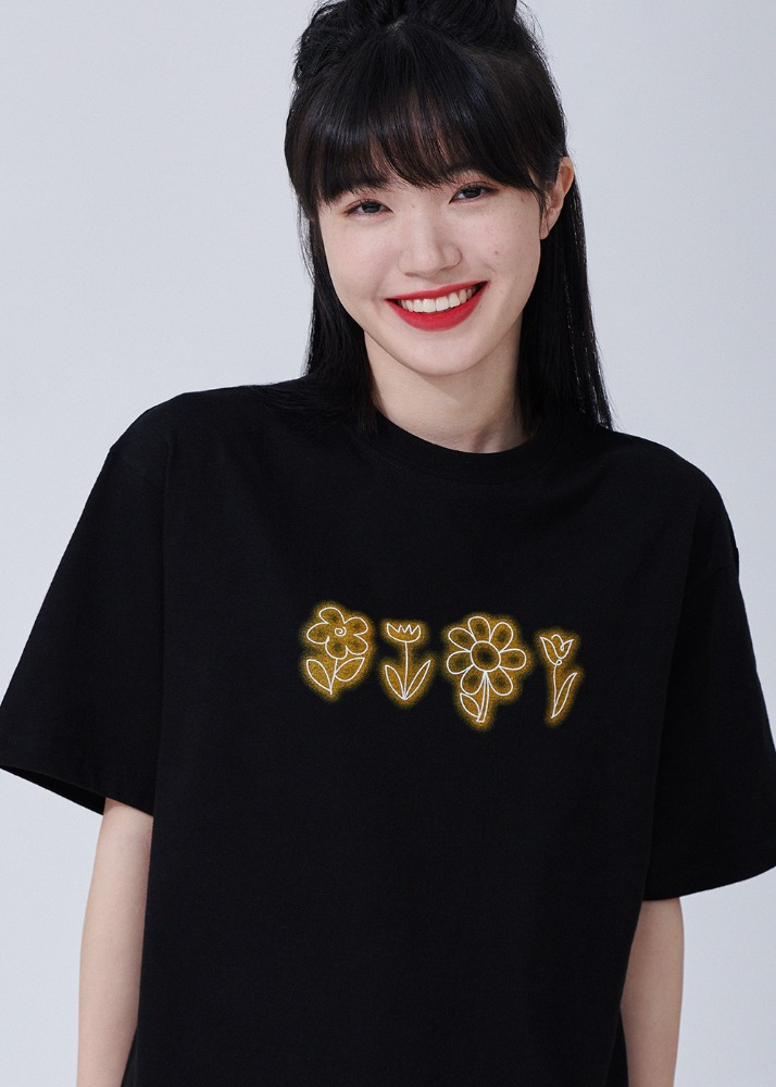 Flower drawing Overfit T-shirts [BLACK]Flower drawing Overfit T-shirts [BLACK]자체브랜드