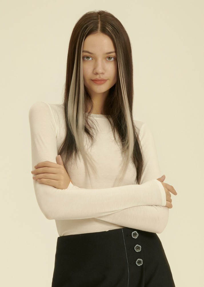 [배우 정다빈 착용] Tencel Silky Crop Long Sleeve T-shirt [IVORY][배우 정다빈 착용] Tencel Silky Crop Long Sleeve T-shirt [IVORY]자체브랜드