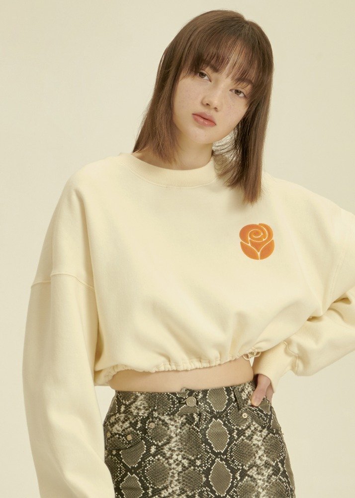 Essential Rose Crop Sweatshirt [CREAM]Essential Rose Crop Sweatshirt [CREAM]자체브랜드