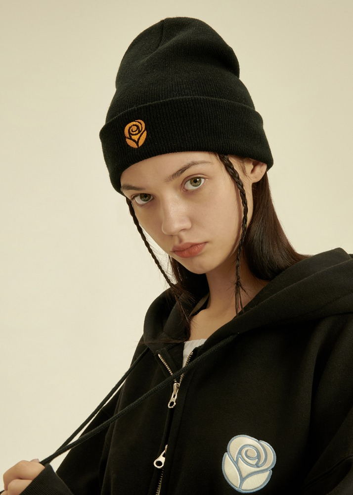 Rose Knit Beanie [BLACK]Rose Knit Beanie [BLACK]자체브랜드