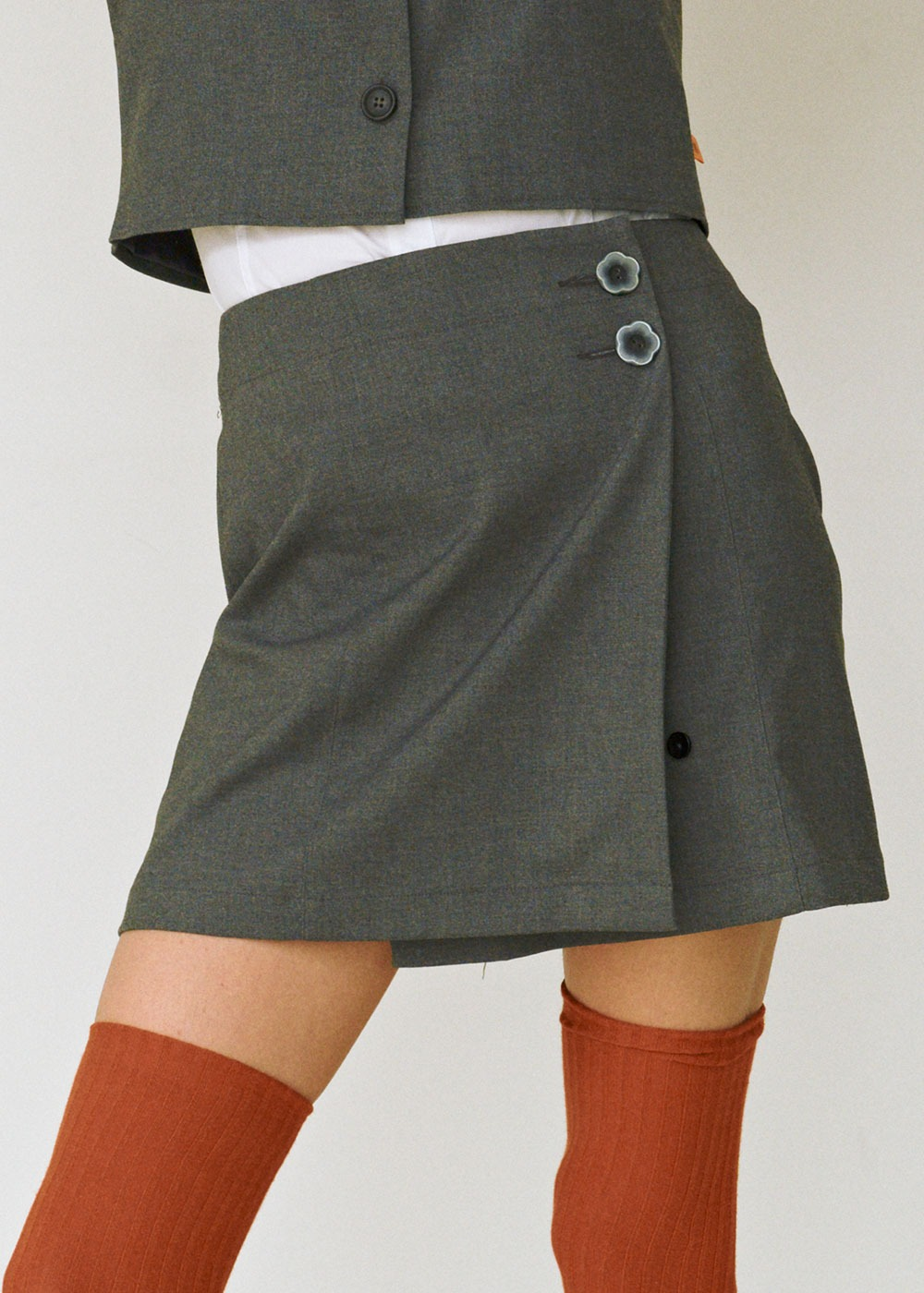 Pleats Wrap Skirt [GREY]Pleats Wrap Skirt [GREY]자체브랜드